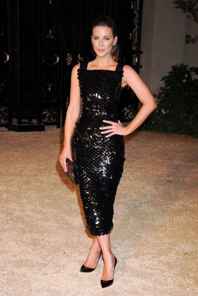 Kate Beckinsale - Leather Midi Skirt